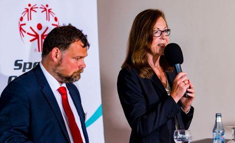 SOD-Vizepräsidentin Brigitte Lehnert und SOD-Vizepräsident und Athletensprecher Mark Solomeyer führten als Moderatoren durch die Auftakt-Pressekonferenz. (Foto: SOD/Sascha Klahn)