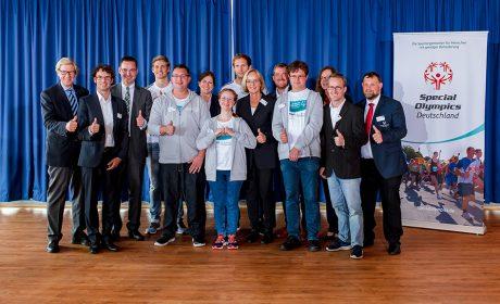 """Die """"Gesichter der Spiele"""" mit allen Gesprächspartner nach der Auftakt-Pressekonferenz in der Sparkassen-Arena-Kiel. (Foto: SOD/Sascha Klahn)"""