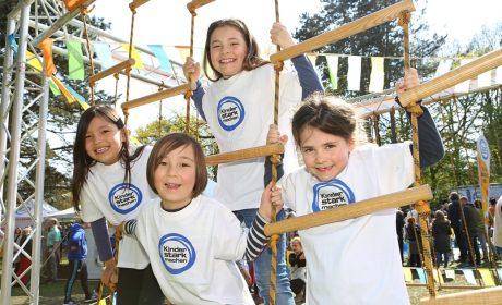 Kinder im Niedrigseilgarten. Foto: BZgA