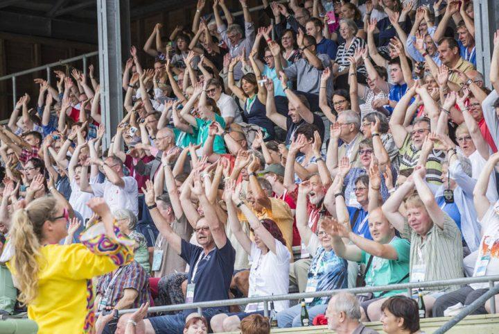 Jubelnde Menschen bei den Special Olympics Spielen