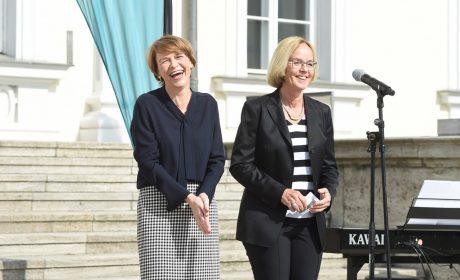 Eine gut gelaunte Schirmherrin Elke Büdenbender, Ehefrau von Bundespräsident Frank-Walter Steinmeier, und eine ebenso gut gelaunte SOD-Präsidentin Christiane Krajewski. (Foto: SOD/Juri Reetz)