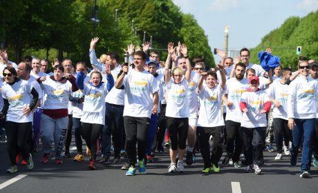 Die Läuferinnen und Läufer auf der Straße des 17. Juni. (Foto: SOD/Juri Reetz)