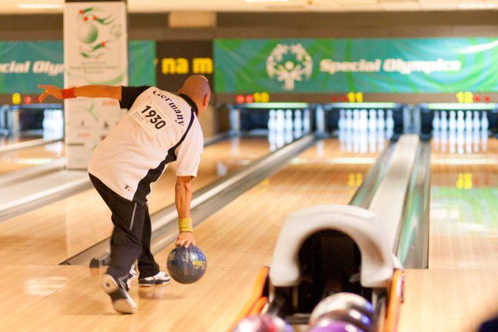 Bowling Wettkampf, Athlet Uwe Stiemer