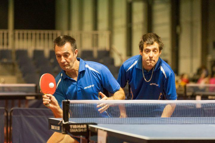 Tischtennis-Doppel Special Olympics