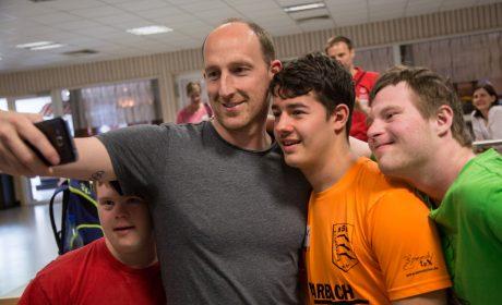 Thomas Lurz beim Selfie mit Matthias Kreuzer, Nico Mandel und Niklas Lohmann. (Foto: SOD/Jo Henker)