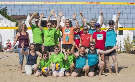 Beachvolleyball: Die Teams Rummelsberger Dienste Auhof in Bayern und Wilhelmsdorf. (Foto: SOD/Florian Conrads)