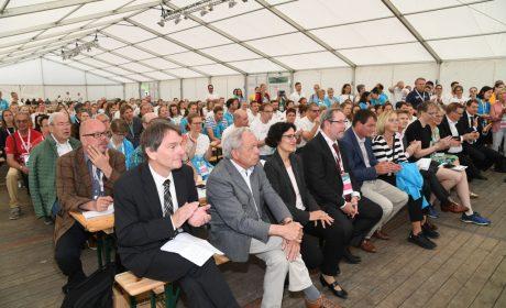 Viele Zuschauer verfolgten die Eröffnung des Gesundheitsprogramms Healthy Athletes®. (Foto: SOD/Juri Reetz)