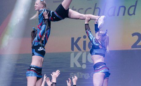 Die Cheerleader zeigten ihr Können in der Pre-Show vor der Eröffnungsfeier. (Foto: SOD/Jörg Brüggemann OSTKREUZ)