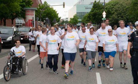 Läuferinnen und Läufer beim Fackellauf in Kiel. (Foto: SOD/Michael Richter)
