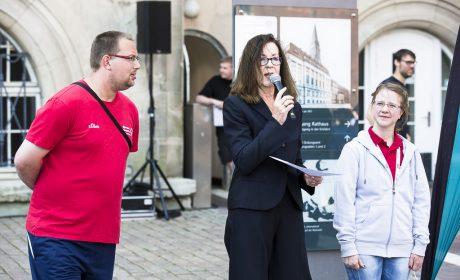 Brigitte Lehnert, Erste Vizepräsidentin SOD, mit den beiden 'Gesichtern der Spiele' Michaela Harder und Pierre Petersen.(Foto: SOD/Stefan Holtzem)