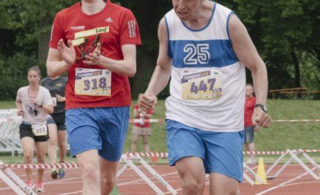 Leichtathletik, 10.000 m Lauf: Manuel Maier, Lebenshilfe der Region Baden-Baden-Bühl-Achern e.V., beim Zieleinlauf. (Foto: SOD/Jörg Brüggemann OSTKREUZ)