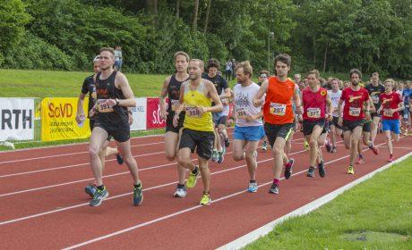 Start des 10.000 Meter Lauf im Sportforum der Universität Kiel. (Foto: SOD/Florian Conrads)