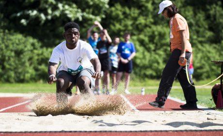 Leichtathletik: Cornelious Atta, Woldenhorn Schule Ahrensburg, beim Weitsprung. (Foto: SOD/Stefan Holtzem)