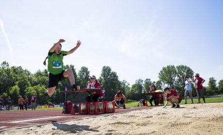 Leichtathletik: Juliana Wenk, 46PLUS Down-Syndrom Stuttgart e.V., beim Weitsprung (Foto: SOD/Stefan Holtzem)