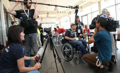 Das Inklusive Medien-Team von Special Olympics Rheinland-Pfalz wurde bei seiner Arbeit von einem Fernsehteam des NDR begleitet. (Foto: SOD/Juri Reetz)