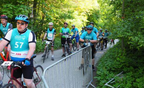 Die Radfahrer warten auf den Start der Klassifizierung-Wettbewerbe. (Foto: SOD/Bernd Kanitz)