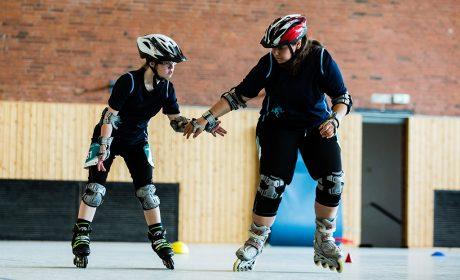Rollerskating: Stefanie Kurz und Sarah Kotzur von den Schwarzwaldwerkstätten Dornstetten (Foto: SOD/Sarah Rauch)
